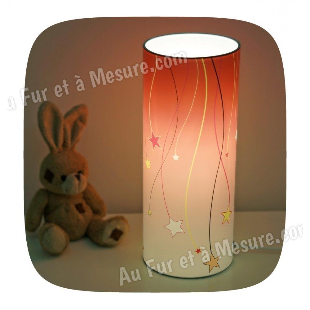 Lampe de chevet enfant fraise etoile filante piculus for Lampes de chevet enfant